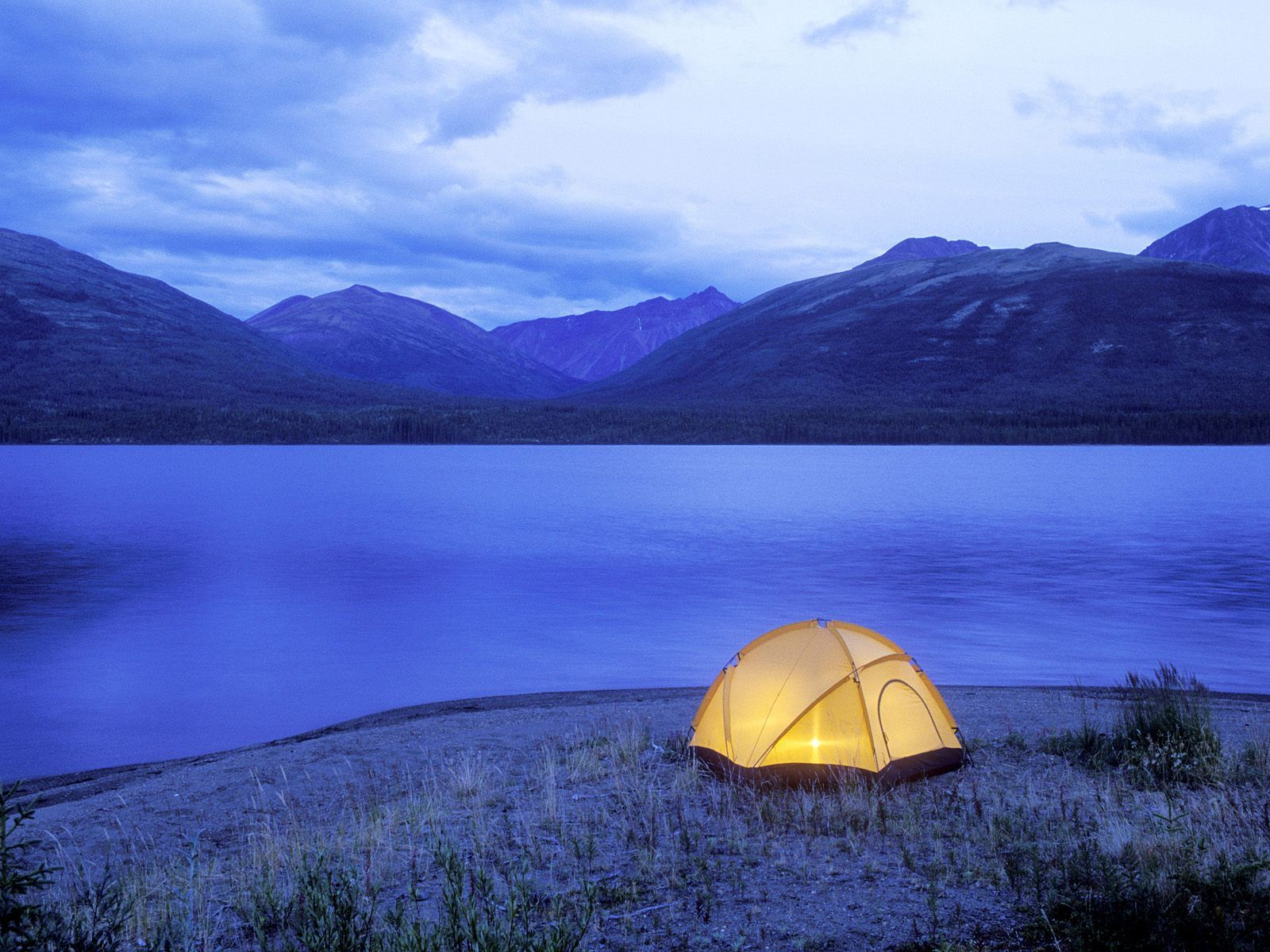 camping-wallpaper-15